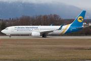 Boeing 737-8HX (UR-PSA)