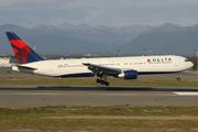 Boeing 767-332 (N130DL)