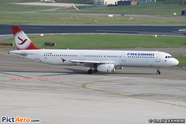 Airbus A321-231 (Free Bird Airlines)