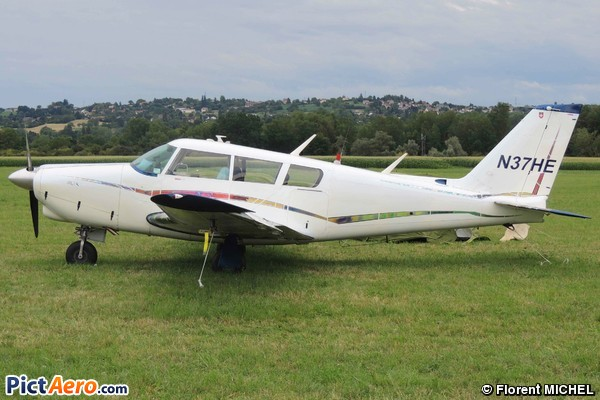 Piper PA-24-260B Comanche (PAPA CHARLY AVIATION INC TRUSTEE )