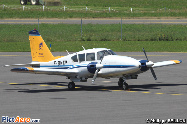 Piper PA-23-250 Aztec C (IMAO Aerial Survey-Lidar)