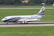Boeing 737-3L9 (YR-TIB)