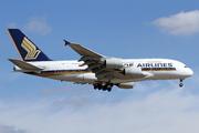 Airbus A380-841 (9V-SKQ)