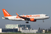 Airbus A320-214 (G-EZWG)