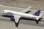 Airbus A320-232 (N653JB)