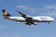 Boeing 747-430 (D-ABVH)