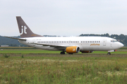 Boeing 737-382/QC (OY-JTF)