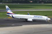 Boeing 737-8EH (D-ASXM)