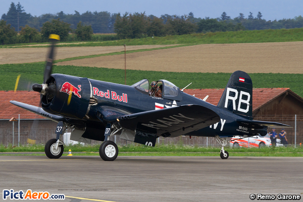 Vought F4U-4 Corsair (Flying Bulls)