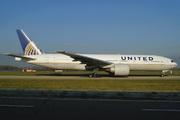 Boeing 777-224/ER (N27015)