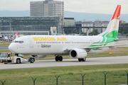 Boeing 737-93Y/ER (P4-SOM)