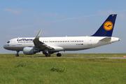Airbus A320-214 (D-AIUF)