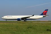 Airbus A330-323E (N815NW)