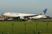 Boeing 777-222 (N776UA)