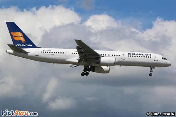 Boeing 757-27B/ER (Icelandair)
