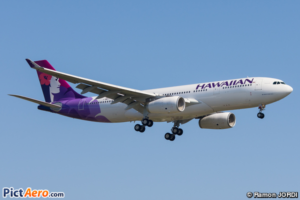 Airbus A330-243 (Hawaiian Airlines)