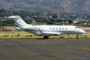 Bombardier BD-100-1A10 Challenger 300 (I-SDFC)