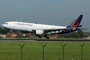 Airbus A330-223 (OO-SFU)