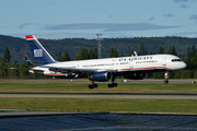 Boeing 757-2B7 (N201UU)