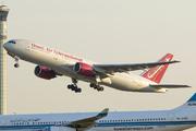Boeing 777-222/ER (N927AX)