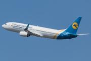 Boeing 737-8HX (UR-PSD)
