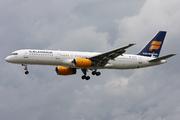 Boeing 757-23N (TF-FIC)