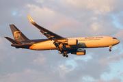 Boeing 767-34AF/ER (N354UP)