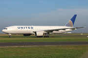 Boeing 777-222 (N781UA)