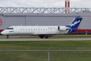 Canadair CL-600-2B19 Regional Jet CRJ-200ER (N477CA)