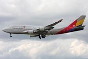 Boeing 747-48E (HL7418)
