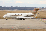 Bombardier BD-100-1A10 Challenger 300 (OE-HAP)