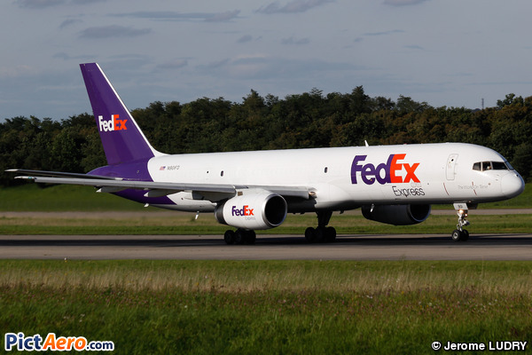 Boeing 757-2B7/SF (FedEx)