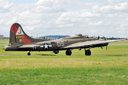 Boeing B-17G (F-AZDX)