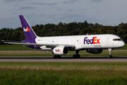 Boeing 757-2B7 (N901FD)