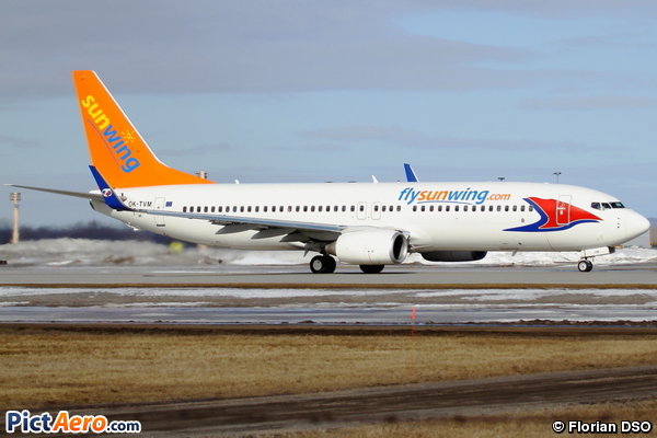 Boeing 737-8FN (Travel Service)