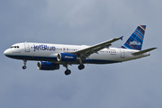 Airbus A320-232 (N632JB)