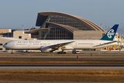 Boeing 777-319/ER (ZK-OKO)