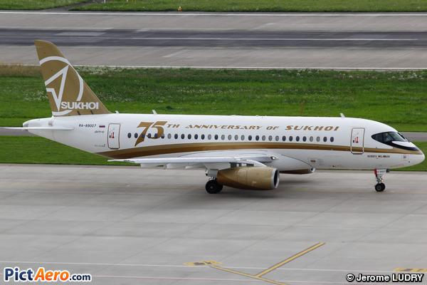 Sukhoi Superjet 100-95 (SSJ100-95) (Center-South)