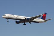 Boeing 757-351 (N591NW)