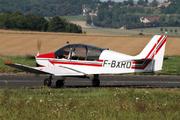 DR400/180R Remorqueur (F-BXRO)