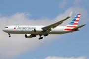 Boeing 767-323/ER (N389AA)