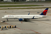 Boeing 757-251 (N554NW)