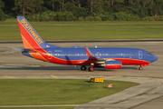 BOEING 737-7H4 (N757LV)