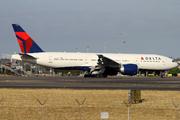 Boeing 777-232/LR