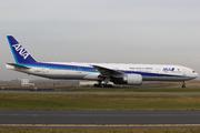 Boeing 777-381/ER (JA736A)