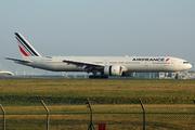 Boeing 777-328/ER (F-GSQY)