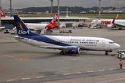 Boeing 737-3U3 (CP-2815)