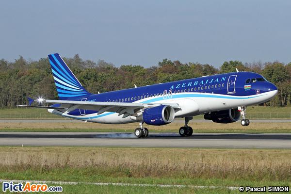 Airbus A320-214/CJ (Azerbaijan Airlines)