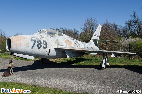 Republic F-84F Thunderstreak (Ailes Anciennes Toulouse)