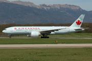Boeing 777-233/LR (C-FIUF)